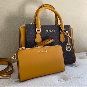 New Michael Kors medium hope messenger bag &wallet